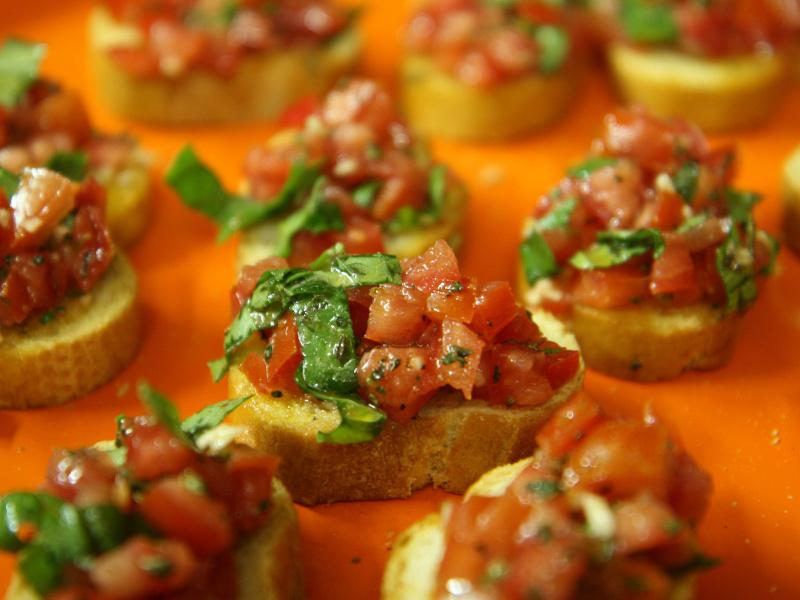 Bruschetta alla Romana (Italian grilled bread with tomatoes)