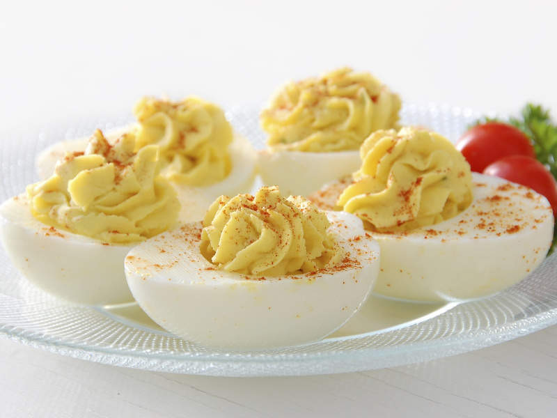 Gefüllte Eier (German deviled, stuffed eggs appetizer)