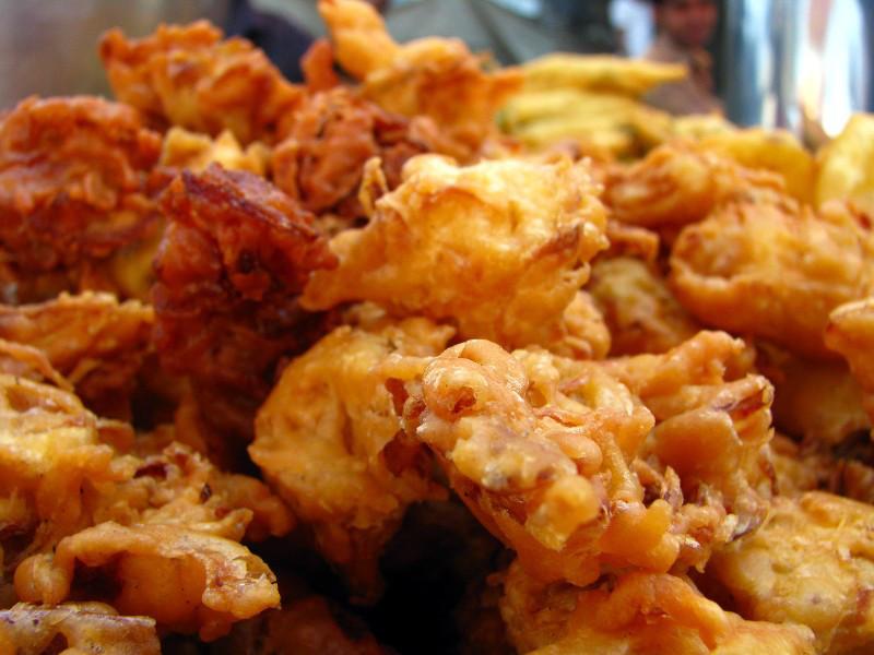 Pakora (Indian, Pakistani vegetable fritters)