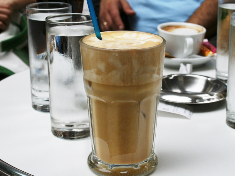 try making it without freezing the coffee. if you pour it into small glasses then let it sit in the refrigerator for about minutes the foam will rise to the top and it looks like a fancy $10 coffee .