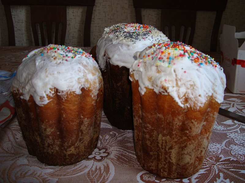 Kulich (Eastern Orthodox sweet Easter bread)