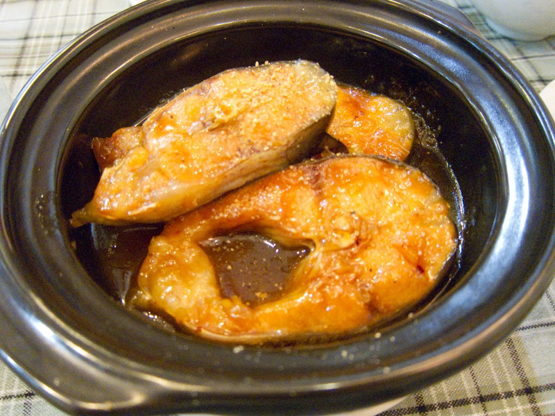 Ca Kho To (Vietnamese clay pot fish with caramel sauce)