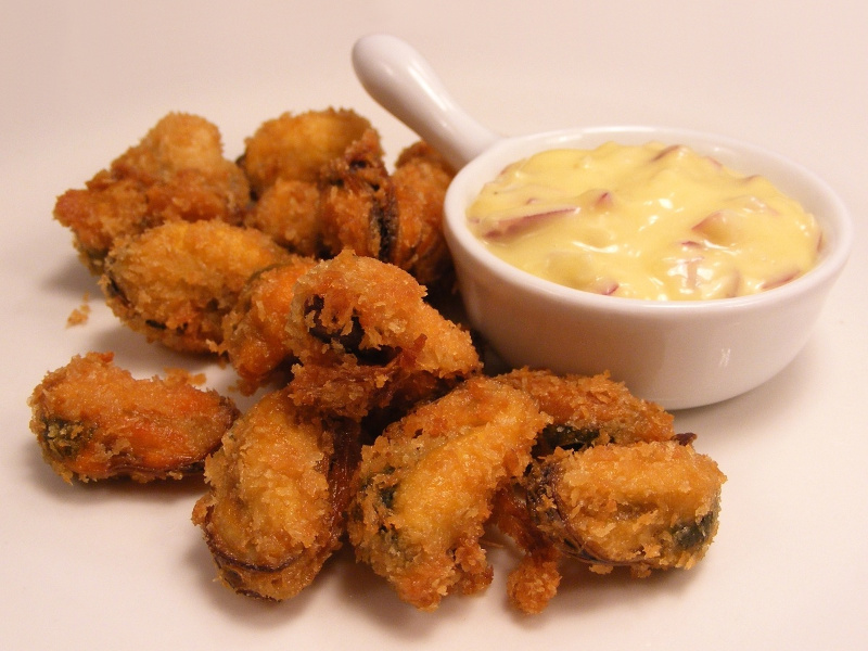 Mejillones Fritos (Spanish batter-fried mussels)
