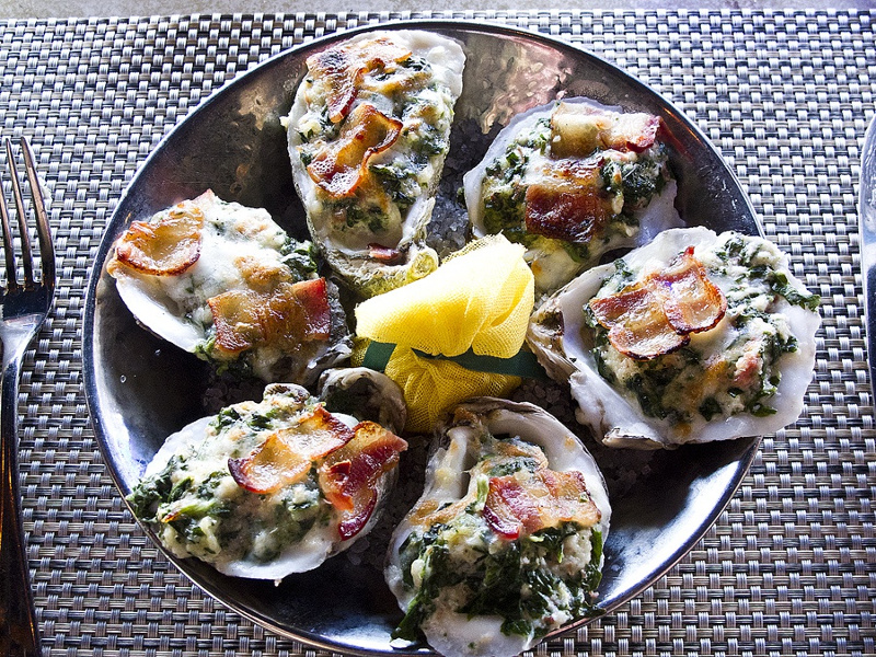 Plate of oysters Rockefeller