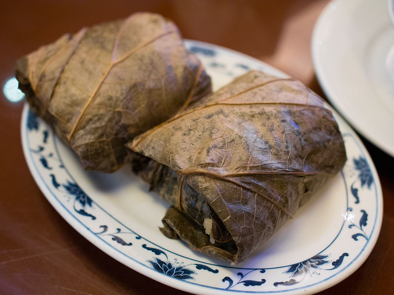 Lo Mai Gai (Chinese rice steamed in lotus leaves)