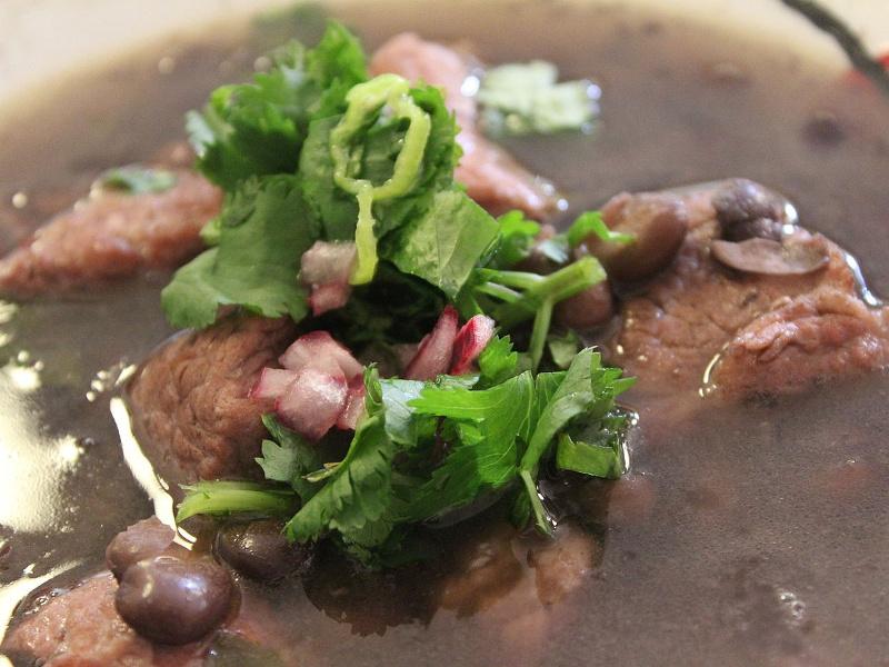 Cerdo con frijoles Yucatecan pork and beans