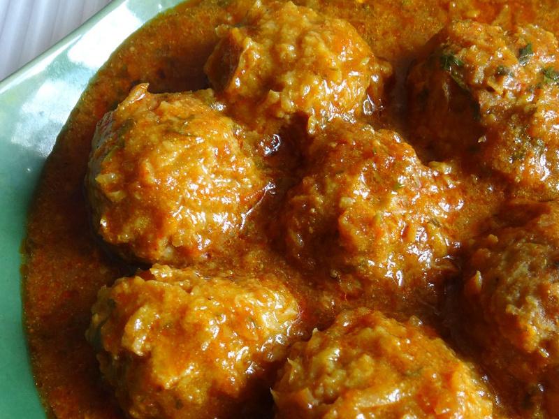 Kofta meatball curry