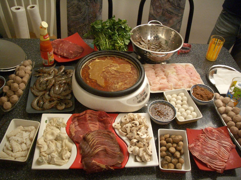 Shuan yan rou Mongolian hot pot