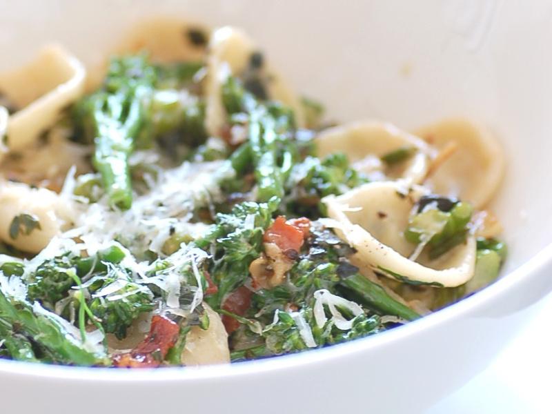 Bowl of orecchiette con broccoli