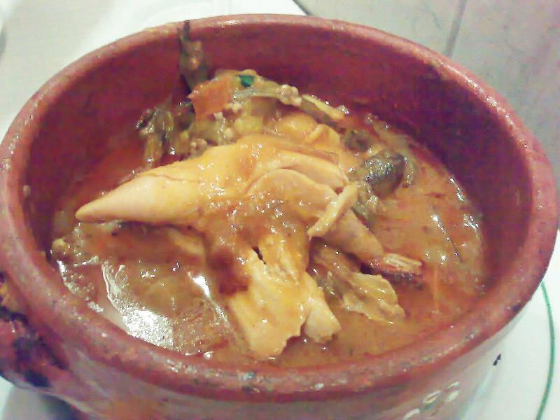 Bowl of muamba de galinha