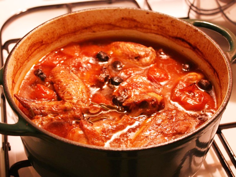 Pollo alla Cacciatora (Italian hunter-style chicken)