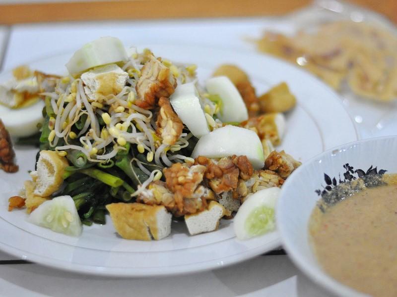 Gado gado Indonesian vegetable salad