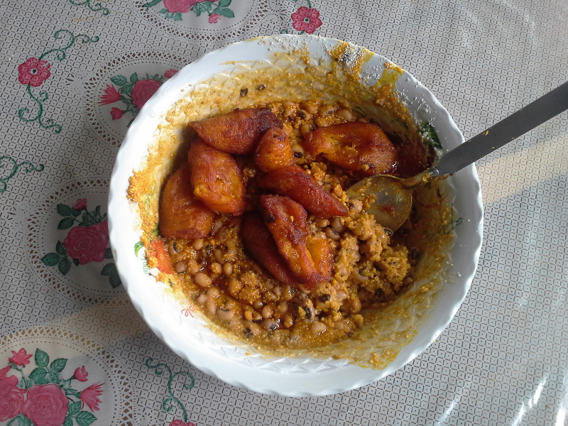 Ewa Dodo (Nigerian black-eyed pea and plantain stew)