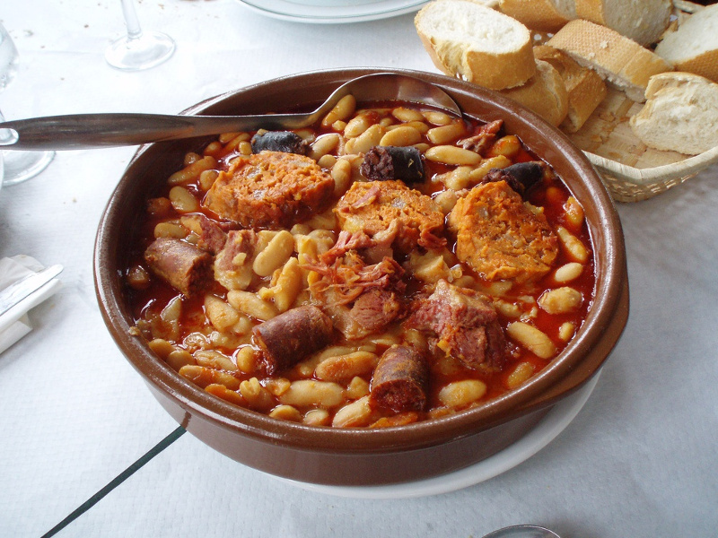 Fabada Asturiana (Spanish sausage and bean stew)