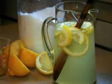 Lemonade (American lemon beverage)