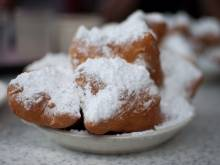 Beignets (American Southern powdered sugar fritters)