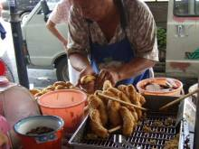 Pisang goreng Indonesian batter-fried bananas