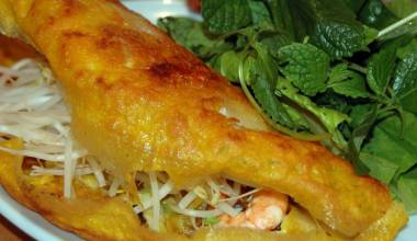 Banh Xeo (Vietnamese filled crepe)
