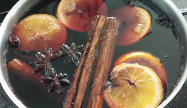 Simmering mulled wine