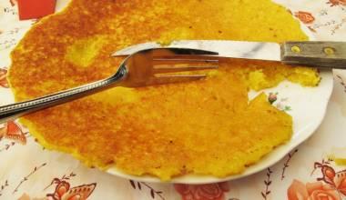Cachapas (Venezuelan fresh corn pancakes)