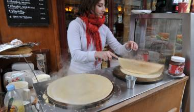 Crêpes (French thin pancakes)