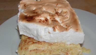 Bienmesabe de Coco (Venezuelan coconut meringue cake)