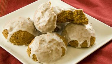 Iced pumpkin spice cookies
