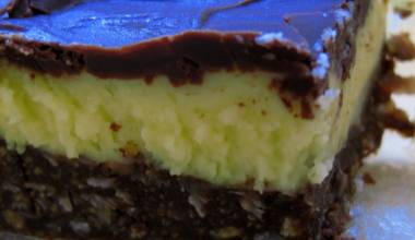 Nanaimo Bars (Canadian layered chocolate and custard bars)
