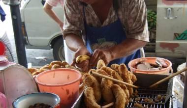 Pisang goreng Indonesian batter-fried bananas