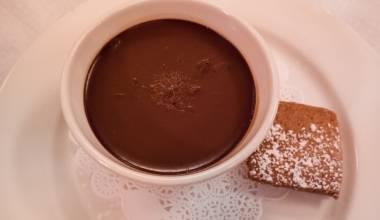 Pots de Creme au Chocolat (French chocolate custard cups)