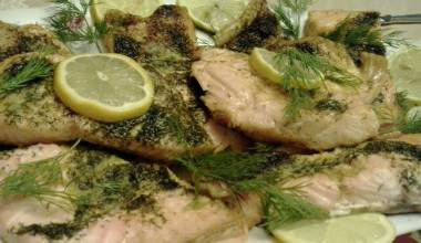 Losos Pieczony z Koperkeim (Polish baked salmon with dill)