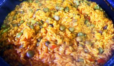 Pot of arroz con gandules