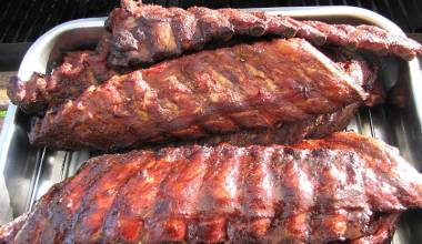 Memphis Barbecue Ribs (Slow-cooked pork ribs with barbecue mop)