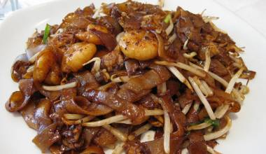 Char kway teow stir fried rice noodles