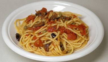 Bowl of pasta puttanesca