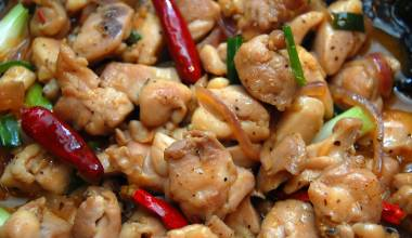 Ga Xao Sa (Vietnamese lemongrass chicken)
