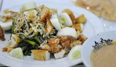 Gado gado Indonesian vegetable salad