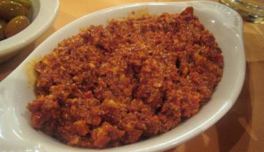 Muhammara (Middle Eastern spicy red pepper and walnut dip)