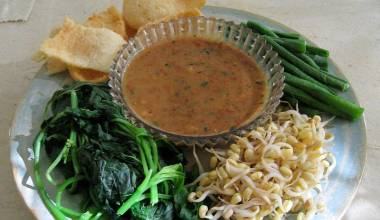 Sambal kacang peanut sauce with fresh vegetables