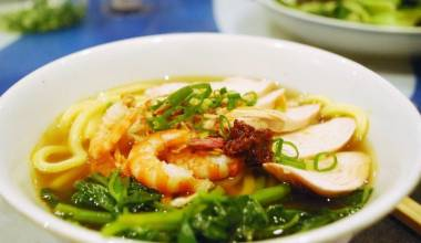 Penang Hokkien Mee (Malaysian spicy shrimp and pork noodle soup)