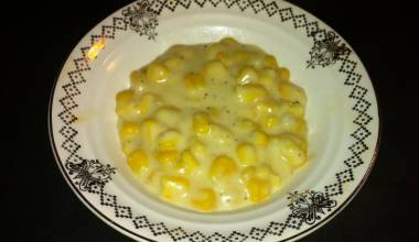Small dish of creamed corn