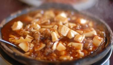 Mapo Doufu (Chinese Szechuan tofu and ground pork in spicy sauce)