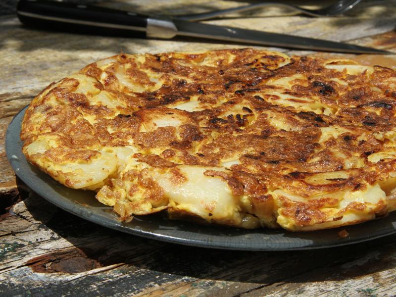 Tortilla Española de Patata (Spanish open-faced potato omelet)