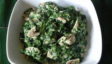 Chicken with taro leaves